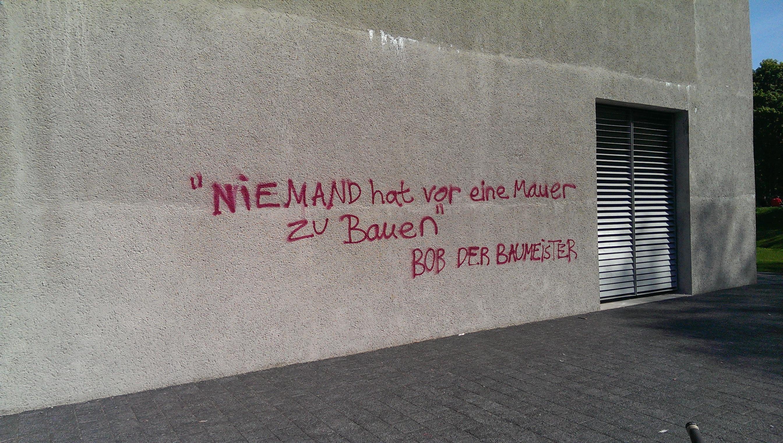Grafiti Niemand hat vor eine Mauer zu bauen